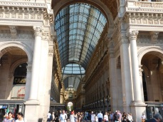The Galleria was mobbed with tourists but few were buying.