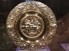 The communion plate William III gifted the church in thanksgiving for defeating James II at the Battle of the Boyne, 1690.