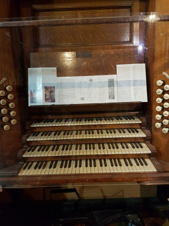The organ Handel played.
