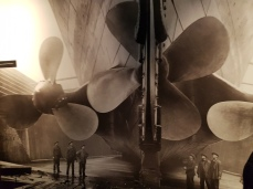 These huge propellers would provide great speed for ramming icebergs.