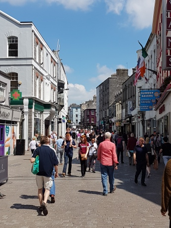 The streets of Galway were crowded with tourists.
