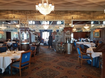 The elegant George V dining room has entertained royalty, celebrities, and many Tauck groups.