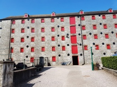 Each of the five floors held 250 tons of barley.