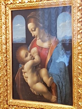 Two DaVincini Madonnas share a wall.