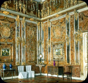 Nineteenth-Century photos like this one (from Wikipedia) were used to restore the Amber Room to its original splendor.
