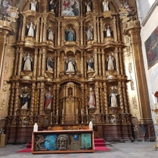 The altar retablo in the Church of Santo Domingo.