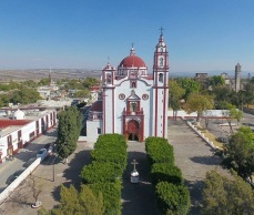 The square of Tecali de Herrera, Puebla. A google photo.