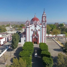 The square of Tecali de Herrera, Puebla. A google photo.
