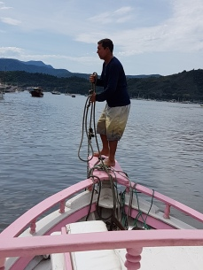 Roque was getting his anchor ready as we neared the pier.