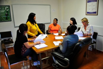 Never more than five students per native Spanish instructor.