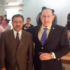 The author with Cuernavaca Mayor Jorge Morales Barud after being honored by Identidad Morelos, Feb. 2015.