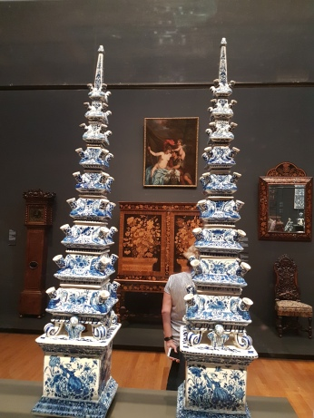 Chinese porcelain dishes, part of the Dutch trade with the far east.